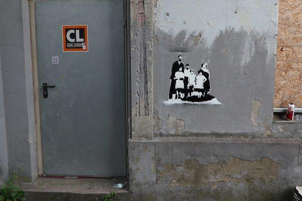 Stencil-Grafitti der Familie Leven