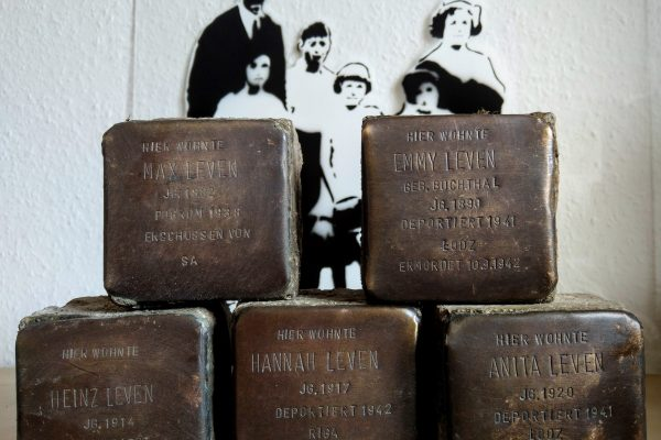Stolpersteine von Familie Leven gesichert